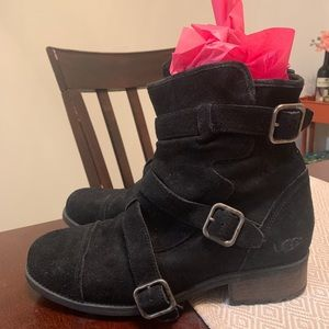 Combat boot style UGG suede boots - women's 10